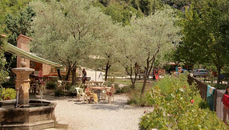 Camping 3 étoiles Les Éphélides - Buis-les-Baronnies (26) -Drôme