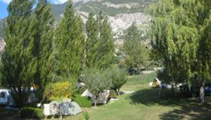Camping 3 étoiles Le Verger – La Roche De Rame (05)